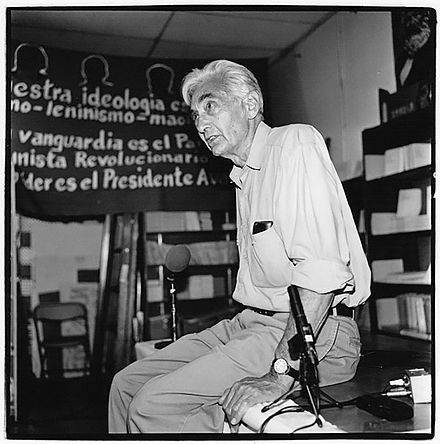 Zinn at Pathfinder Book Store, Los Angeles, August 2000 HowardZinn.jpg