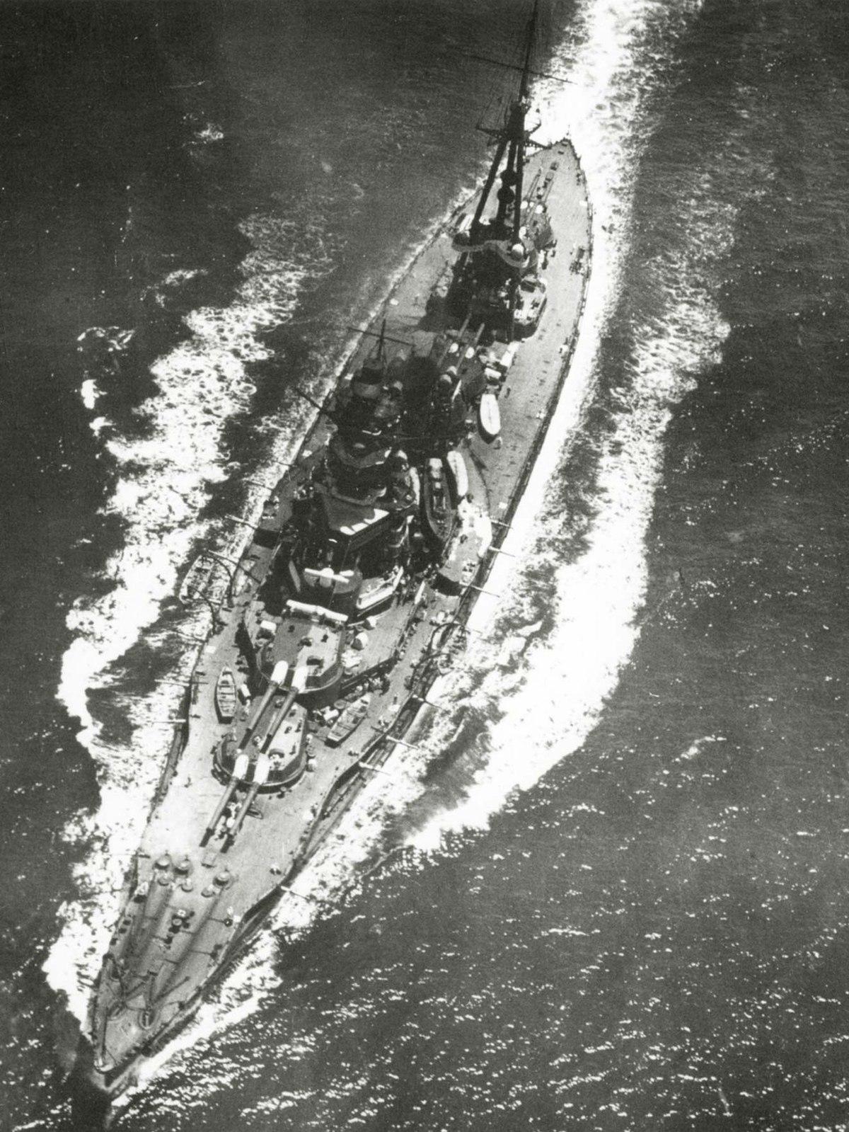 Japanese battleship Hyūga - Wikipedia