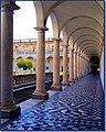 Il chiostro della Certosa di San Martino - panoramio.jpg