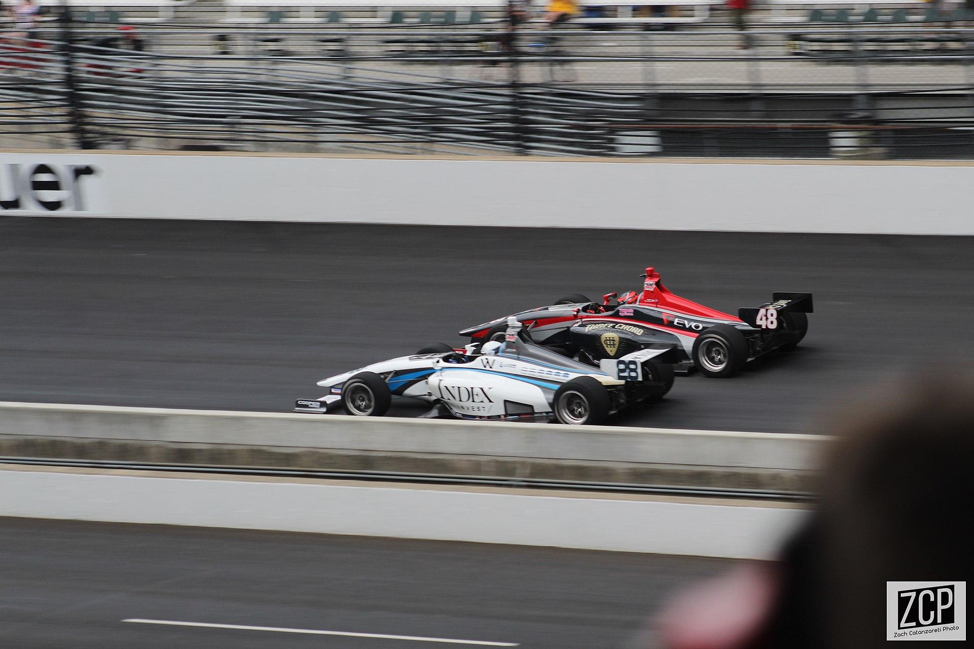 De Freedom 100 maakt deel uit van de Indy Lights klasse.