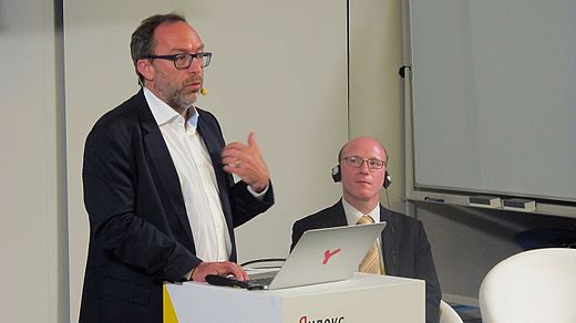 Jimmy Wales in Moscow 2016-09-14 11.jpg
