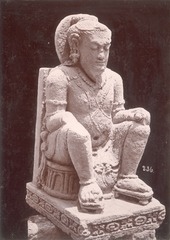 KITLV 87760 - Isidore van Kinsbergen - Hindu-Javanese sculpture comes from Blitar, transferred to Magelang - Before 1900.tif