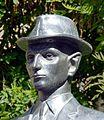 Kafka-statuo (Róna) en Prago, 23.jpeg