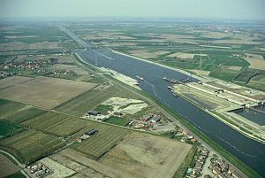 Canal through Zuid-Beveland - the Canal through Zuid-Beveland