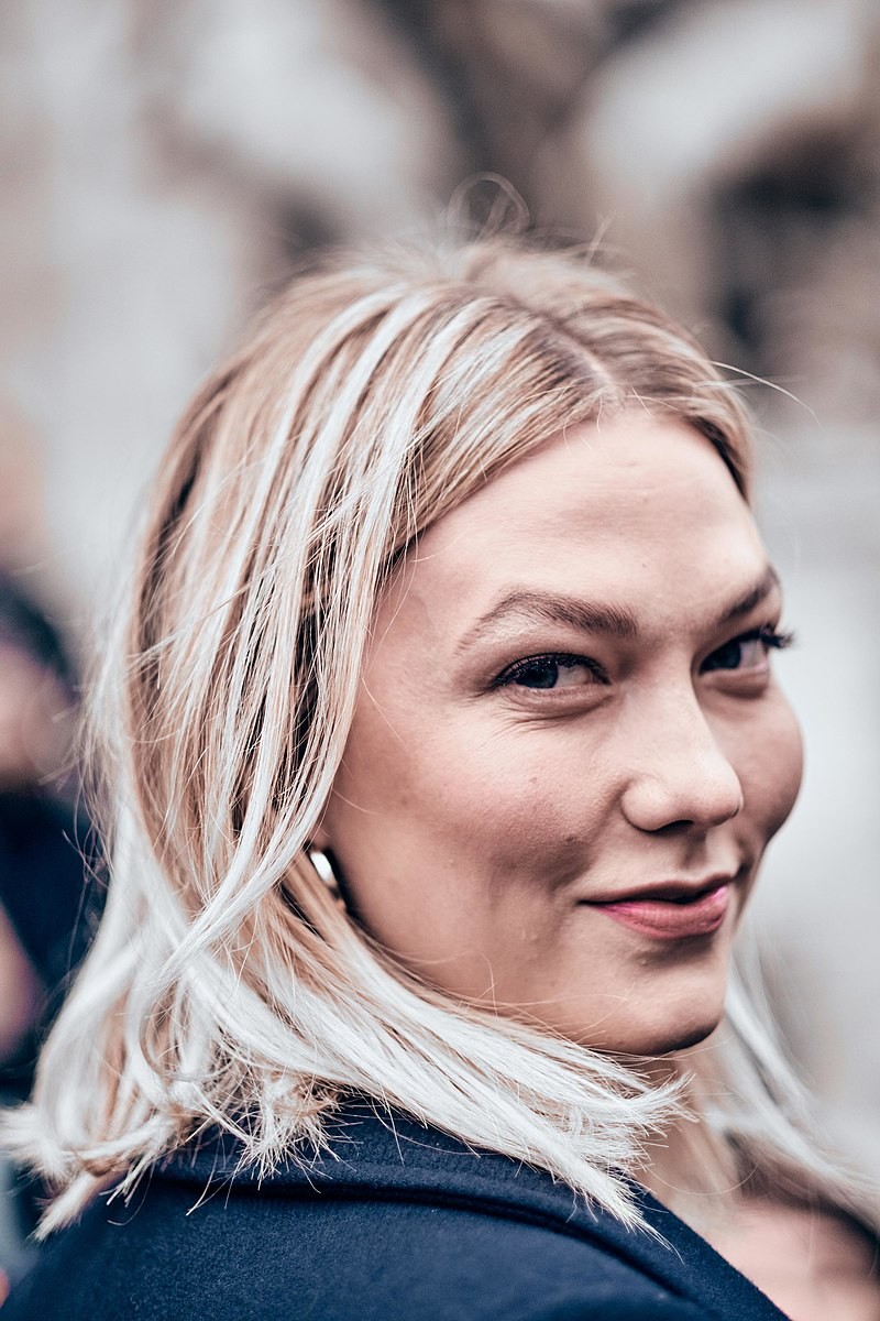 Karlie Kloss à Paris en 2019.