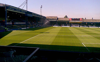 Luton Town F.C. - The view from the Kenilworth End in 2007. To the left is the Main Stand, and to the right is the Oak Road End.