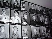 Le fichage et la numérotation des prisonniers font partie de la dépersonnalisation
