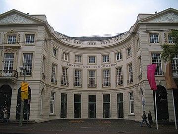 De Koninklijke Schouwburg in Den Haag.