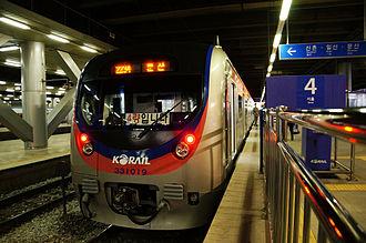Korail Class 331000 - Class 331000 (second batch) train 331-19 at Seoul Station.