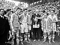 L'Olympique de Marseille reçoit la Coupe de France en 1926.jpg