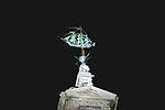 La girouette illuminée de la Porte de la Grosse-Horloge (5).JPG