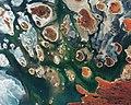 Lake MacKay Australia.jpg