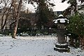 Lanterne japonaise parc Monceau neige.jpg