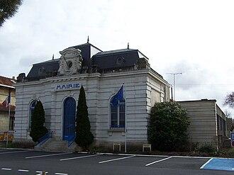 Le Porge - Town hall