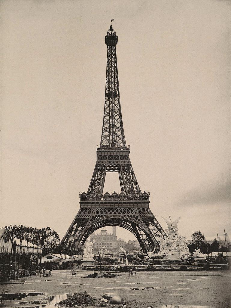File le parc du champ de mars la tour eiffel et le trocad ro vue d 39 ense - Dimension de la tour eiffel ...