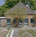 Leiboom tegen de gevel van het gebouw naast de oranjerie - Voorschoten - 20406366 - RCE.jpg