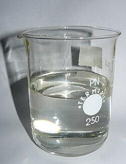 Liquid paraffin in beaker.jpg