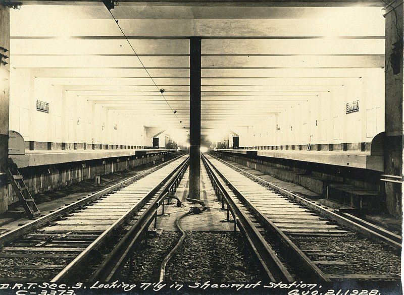 File:Looking northerly in Shawmut station, August 1928.jpg
