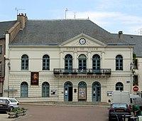 Lormes - Hotel de ville.jpg