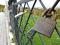 Love padlocks Vilnius 2008.jpg