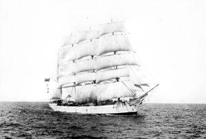 Lucipara (ship, 1885) - SLV H99.220-2525.jpg