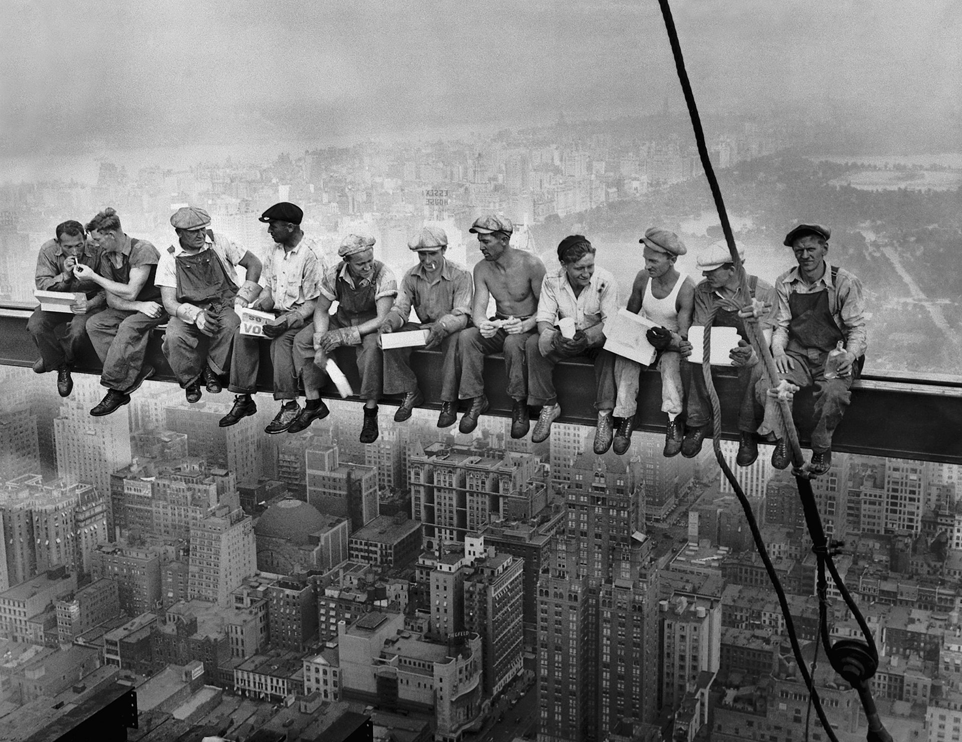 1920px-Lunch_atop_a_Skyscraper.jpg