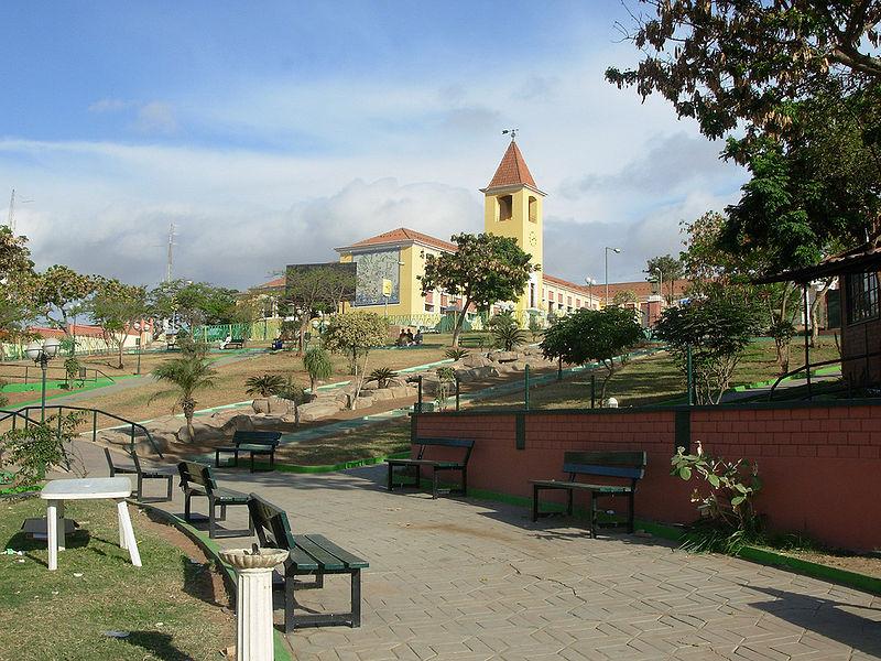 Lyceum Salvador Correia in Luanda, Angola.jpg