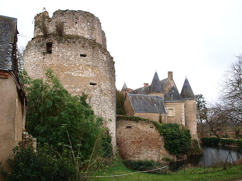 File:Lys-Saint-Georges-FR-36-château-23.JPG