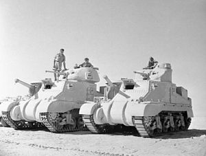 Tanks of New Zealand - A M3 Grant (left) and Lee (right) at El Alamein (Egypt), in the Sahara Desert, 1942, showing differences between the British turret and the original design.