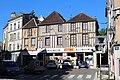 Maisons colombages Place De Gaulle Tonnerre 1.jpg
