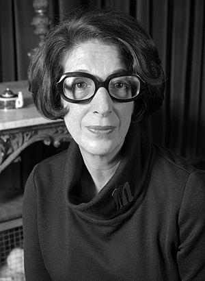 Marjorie Proops