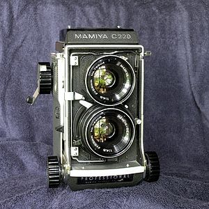 Mamiya C220 - Mamiya C220 with 55 mm wide-angle lens