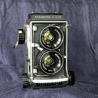 Mamiya C220 - Mamiya C220 with 55 mm wide-angle lens
