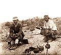 Mapuches tomando mate en la pampa mientras se asa la carne.jpeg