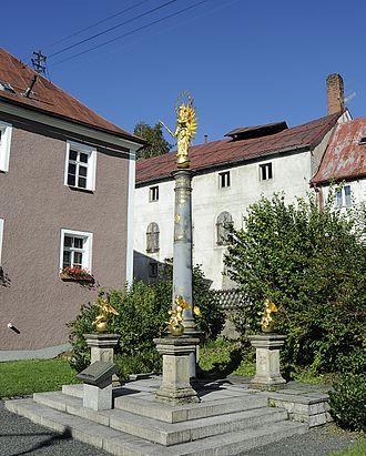 Fichtelberg, Bavaria - Column with 4 putti