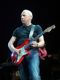 Mark Knopfler NEC 2008 02 (cropped).jpg
