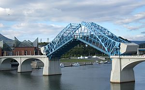 Market Street Bridge (Chattanooga) - The bridge's bascule span open