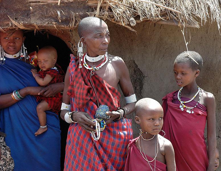 Plemena - Page 2 776px-Masai_women