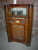 Midcentury 12-disc Wurlitzer jukebox 02.jpg