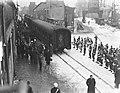 Militairen uit Indonesie in Rotterdam per trein uit Marseille, Bestanddeelnr 904-3525.jpg