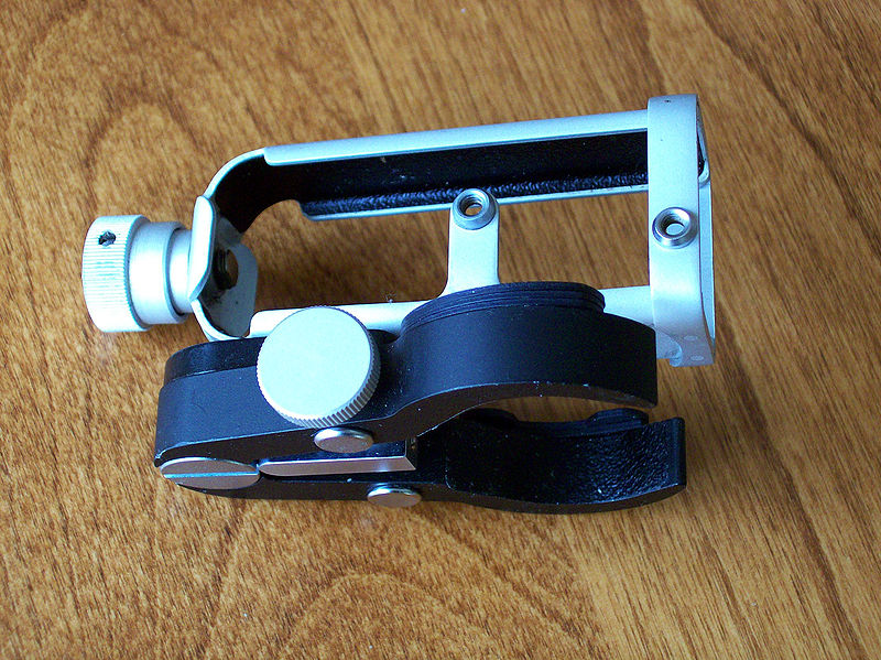 File:Minox binocular attachment.JPG