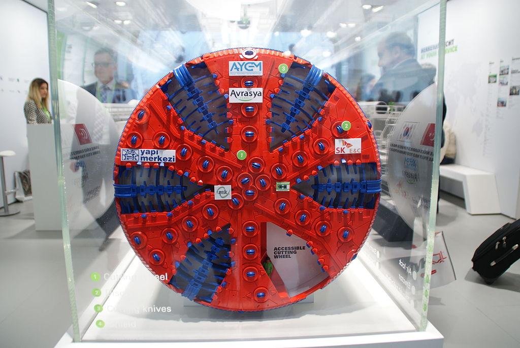 Modell große Tunnelbohrmaschine Herrenknecht TBM Model