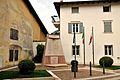 Monumento ai Caduti delle Guerre - Calliano (TN).jpg