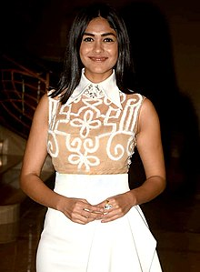 Mrunal Thakur promotes the film Love Sonia (01) (cropped).jpg