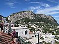 Muntele Solaro vazut din Piazzetta din Capri3.jpg