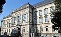Museum für Kunst und Gewerbe Hamburg, Ostfassade mit Hauptportal.jpg