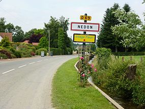 Nédon (Pas-de-Calais) city limit sign and Nave river.JPG