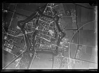 Dokkum - Aerial view of Dokkum by the Dutch airforce, 1920-1940. Nederlands Instituut voor Militaire Historie