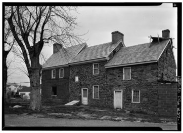 NORTH (REAR) FACADES - Thomas Massey House, Lawrence and Springhouse Roads (Marple Township), Broomall, Delaware County, PA HABS PA,23-BROOM.V,1-1.tif