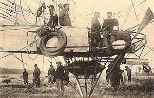Patrie (airship) - Close-up of the Patrie's gondola in 1906, showing fuel tank and the propeller